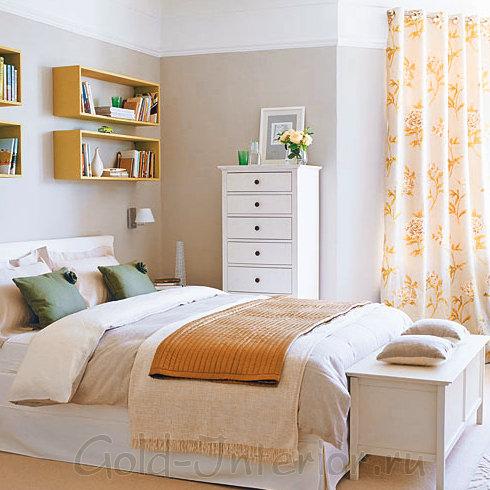 Высокий комод в интерьере спальной комнаты 9 кв м