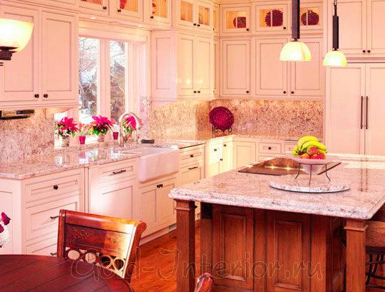 Яркие розовые акценты в дизайне кухни