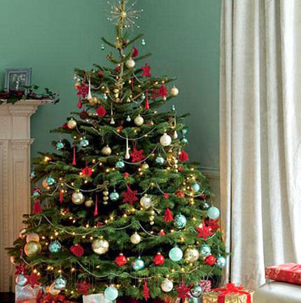 Зелёная новогодняя ёлка