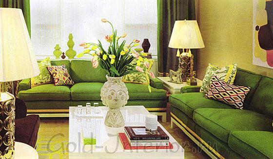 Зелёные диваны и шторы