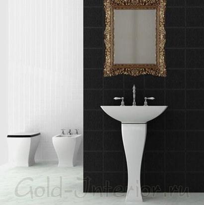 Зеркало в золотой раме стиля рококо
